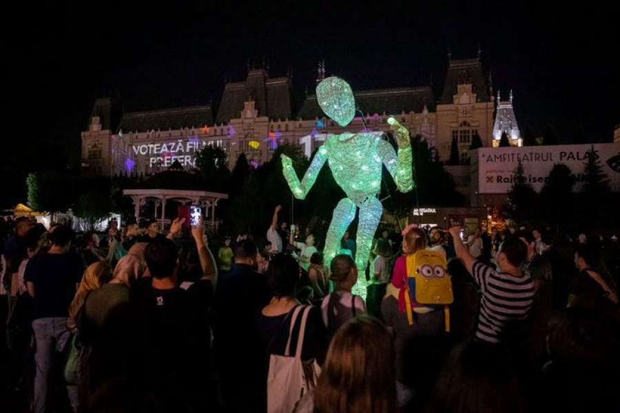 O echipă de video artiști din China a câștigat cea de-a treia ediție a LIGHT UP FESTIVAL, competiția internațională de video mapping organizată de PALAS